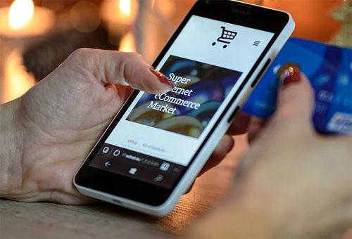 招聘也可以通過社交App軟件來看人