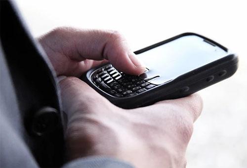 IOS出现新漏洞一再被发现,用户需提防恶意APP软件入侵手机